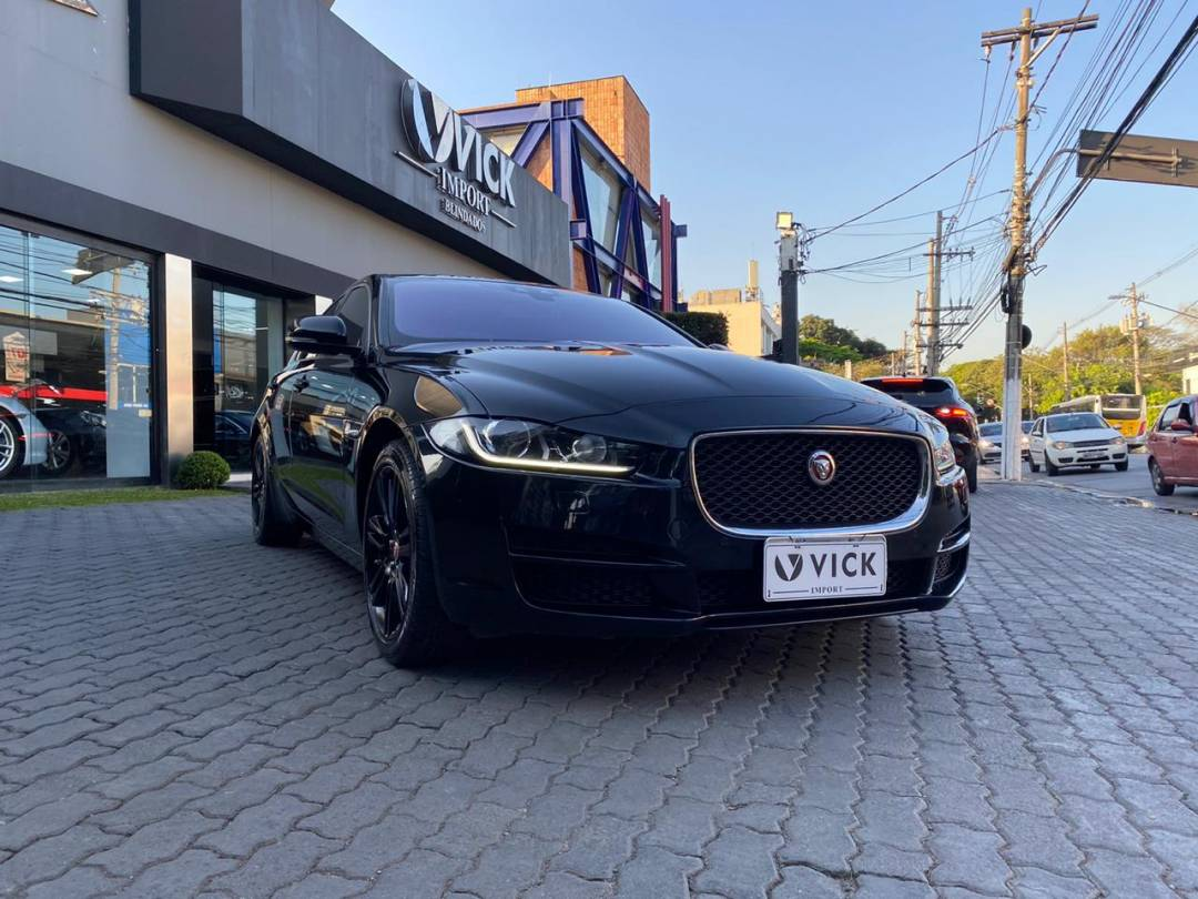 Jaguar XE 2.0 Turbo Pure 2017 Preto